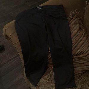 Black Ideology crop leggings